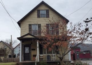 Pre Foreclosure in Pitcairn 15140 3RD ST - Property ID: 1551685984