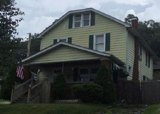 Pre Foreclosure in Huntington 25703 11TH AVE - Property ID: 1551691667