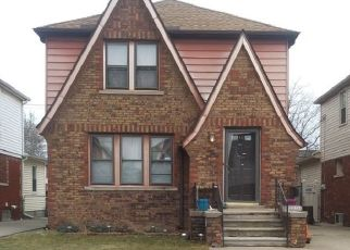 Pre Foreclosure in Dearborn 48126 APPOLINE ST - Property ID: 1551720122