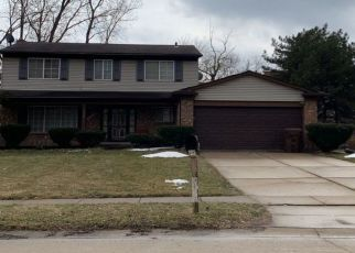Pre Foreclosure in Wayne 48184 HILLCREST DR - Property ID: 1551724967