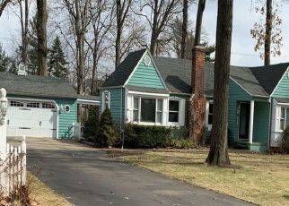 Pre Foreclosure in Plymouth 48170 GOLD ARBOR RD - Property ID: 1551747733