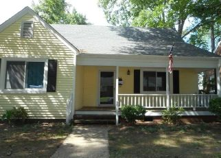 Pre Foreclosure in Suffolk 23434 DELAWARE AVE - Property ID: 1552044226