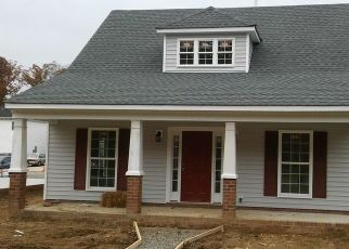 Pre Foreclosure in Richmond 23224 OLD WARWICK RD - Property ID: 1552045102