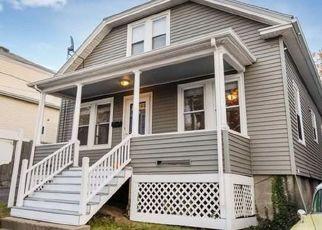 Pre Foreclosure in Salem 01970 1/2 LAUREL ST - Property ID: 1552229950