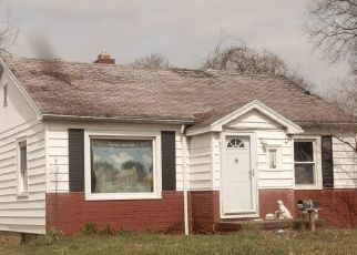 Pre Foreclosure in Evansville 47714 E POWELL AVE - Property ID: 1552391998