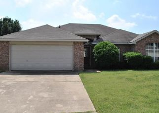 Pre Foreclosure in Mansfield 76063 FERN DR - Property ID: 1552502796