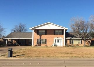 Pre Foreclosure in North Richland Hills 76182 HIGHTOWER DR - Property ID: 1552526440