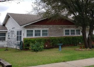 Pre Foreclosure in Waco 76710 ATHENS AVE - Property ID: 1552542653