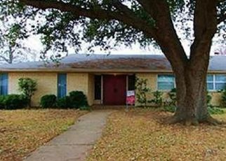 Pre Foreclosure in Burleson 76028 BLYTHE CT - Property ID: 1552599593
