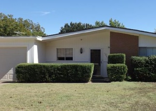 Pre Foreclosure in Fort Worth 76126 USHER ST - Property ID: 1552737997