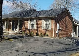 Pre Foreclosure in Dickson 37055 RAVENWOOD CIR - Property ID: 1552896532