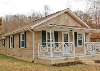 Pre Foreclosure in Bluff City 37618 ELIZABETHTON HWY - Property ID: 1552984120
