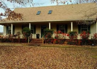 Pre Foreclosure in Medon 38356 LOWERY RD - Property ID: 1553001202
