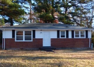Pre Foreclosure in Clarksville 37043 COUNTRY CLUB DR - Property ID: 1553029682