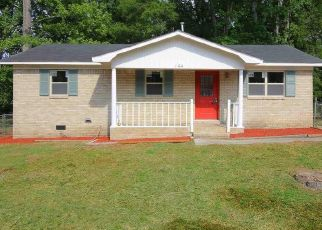 Pre Foreclosure in Lugoff 29078 YORKSHIRE DR - Property ID: 1553235977
