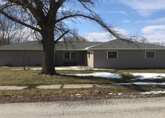 Pre Foreclosure in Taylorville 62568 S CHENEY ST - Property ID: 1553568380