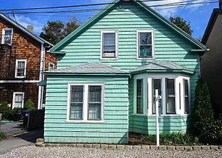 Pre Foreclosure in Warwick 02888 BANK ST - Property ID: 1553702856