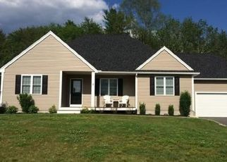 Pre Foreclosure in Acushnet 02743 BLACKSMITH DR - Property ID: 1553749259