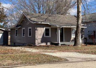 Pre Foreclosure in Canton 61520 W OAK ST - Property ID: 1554170604