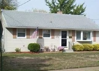 Pre Foreclosure in Maple Shade 08052 W WOODLAWN AVE - Property ID: 1554310302