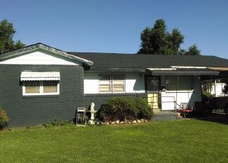 Pre Foreclosure in Perryton 79070 S BAYLOR ST - Property ID: 1554615132