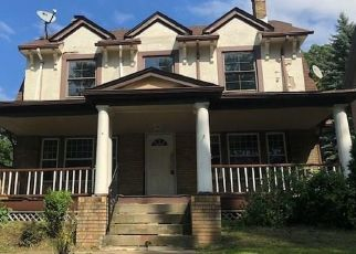 Pre Foreclosure in Cleveland 44118 CUMBERLAND RD - Property ID: 1554700999