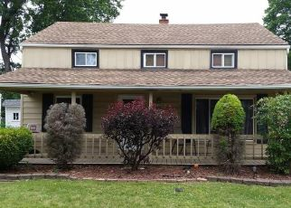 Pre Foreclosure in Euclid 44132 DRAKEFIELD AVE - Property ID: 1554707553