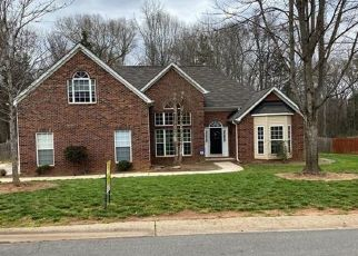 Pre Foreclosure in Huntersville 28078 VANTAGE POINT LN - Property ID: 1554884947