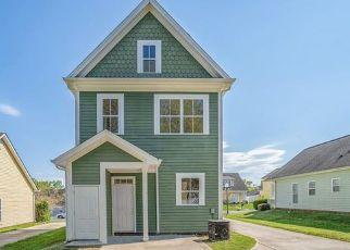 Pre Foreclosure in Charlotte 28208 GOLDEN RIDGE LN - Property ID: 1554927864