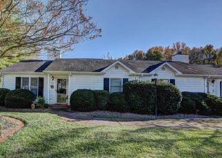 Pre Foreclosure in Charlotte 28216 CRAPE MYRTLE LN - Property ID: 1555000113