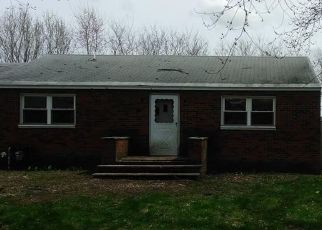 Pre Foreclosure in Liverpool 13088 IRVING AVE - Property ID: 1555101737