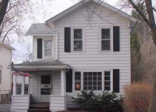 Pre Foreclosure in Lockport 14094 WALNUT ST - Property ID: 1555140719