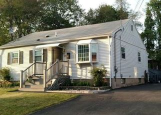 Pre Foreclosure in West Haven 06516 BROOK LN - Property ID: 1555335614
