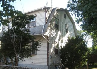 Pre Foreclosure in New Haven 06513 LLOYD ST - Property ID: 1555362322