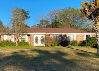 Pre Foreclosure in Mobile 36619 CLARENDON DR - Property ID: 1555851541