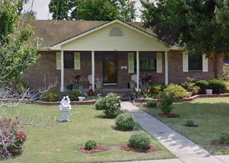 Pre Foreclosure in Charleston 63834 E CYPRESS ST - Property ID: 1555870371