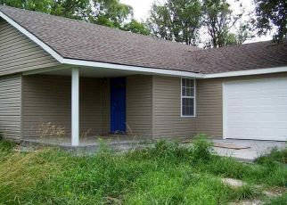 Pre Foreclosure in Cassville 65625 FARM ROAD 1120 - Property ID: 1555896209