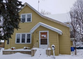 Pre Foreclosure in Owatonna 55060 E BROADWAY ST - Property ID: 1555992121