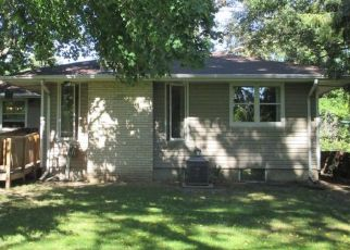 Pre Foreclosure in Saint Paul 55106 ROWE PL - Property ID: 1556024998