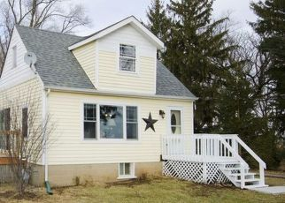 Pre Foreclosure in Mchenry 60050 MASON HILL RD - Property ID: 1556372283