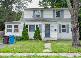 Pre Foreclosure in New Britain 06053 MCKINLEY DR - Property ID: 1556387625