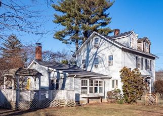 Pre Foreclosure in Norwalk 06851 CHESTNUT HILL RD - Property ID: 1556423542