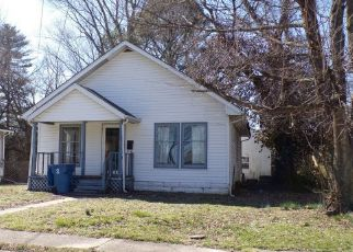Pre Foreclosure in Benton 62812 N MAPLE ST - Property ID: 1557045910