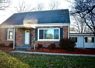 Pre Foreclosure in Louisville 40258 TERRY RD - Property ID: 1557115988