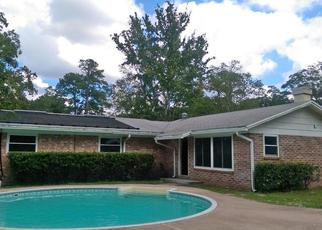 Pre Foreclosure in Jacksonville 32210 TARA WOODS DR S - Property ID: 1557370888