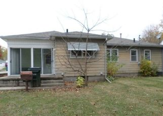 Pre Foreclosure in Waterloo 50702 VERMONT ST - Property ID: 1557461535