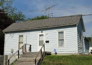 Pre Foreclosure in Oskaloosa 52577 S C ST - Property ID: 1557548699