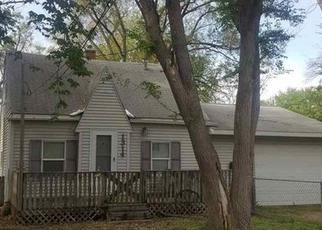 Pre Foreclosure in Waterloo 50703 W DONALD ST - Property ID: 1557629722