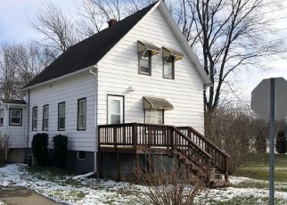 Pre Foreclosure in Michigan City 46360 HOYT ST - Property ID: 1557737453