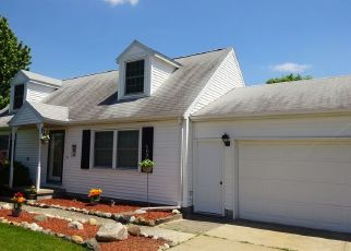 Pre Foreclosure in Wanatah 46390 DOROTHY CT - Property ID: 1557763741